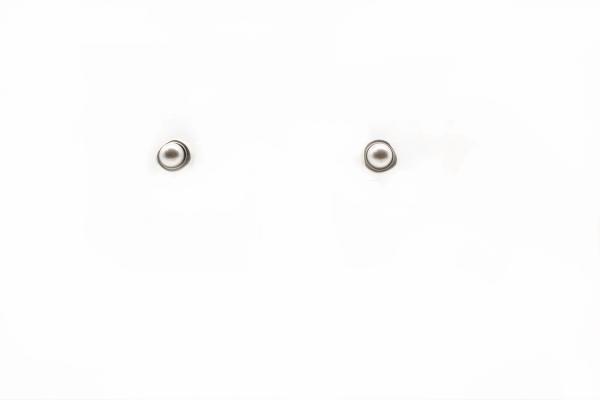 pendientes-minimalista-perla-plata-pequeños