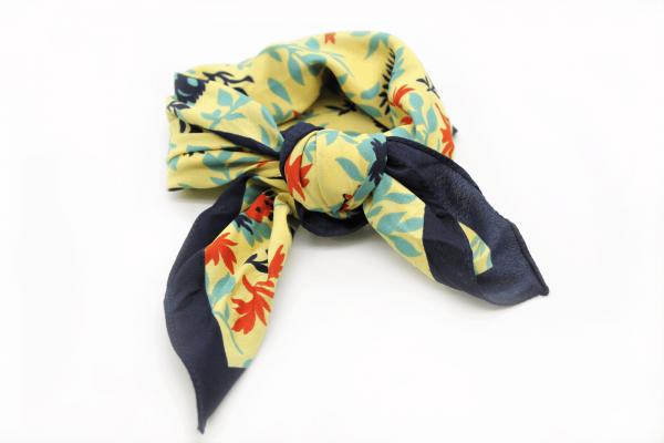 panuelo-multiposiciones-amarillo-floral-pequeno-pieces